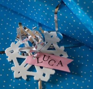 Schneestern-Geschenkanhänger aus Moosgummi